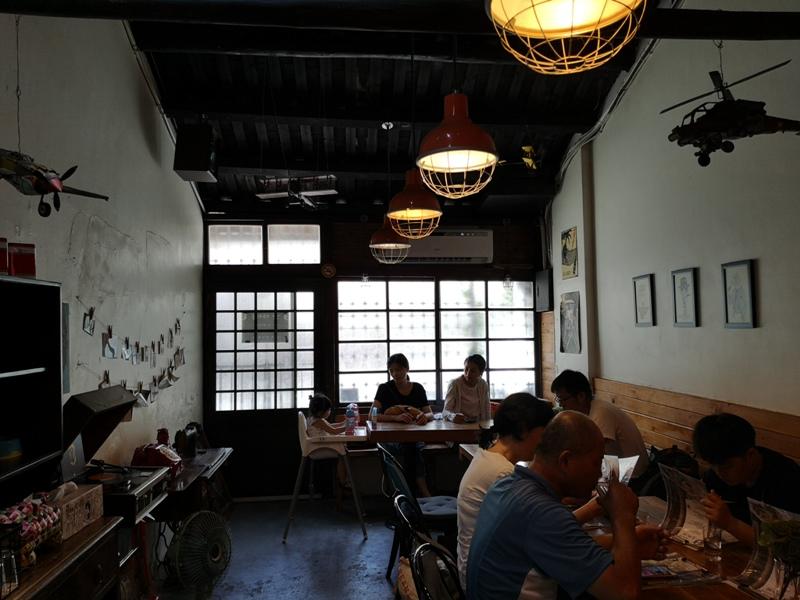 uglycoffee09 大溪-丑咖啡 帶毛小孩一起來 友善寵物帶著復古風的咖啡館