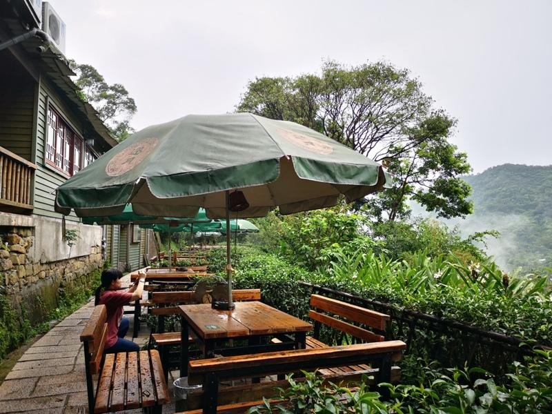 yyteahouse29 文山-貓空邀月茶坊 雨中的清涼 蛙鳴鳥叫的陪伴 一個下午的悠閒