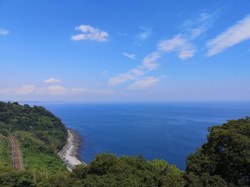 paradisecafe19 Odawara-Paradise Cafe Saddle Back藍天綠樹海景紅瓦屋 江之浦的景觀咖啡