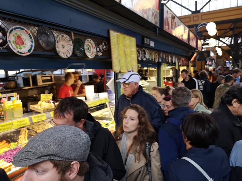 budapestcentralmarket28 Budapest-本地人的菜市場 觀光客的遊樂場 布達佩斯的中央市場Nagy Vásárcsarnok(Central Market)