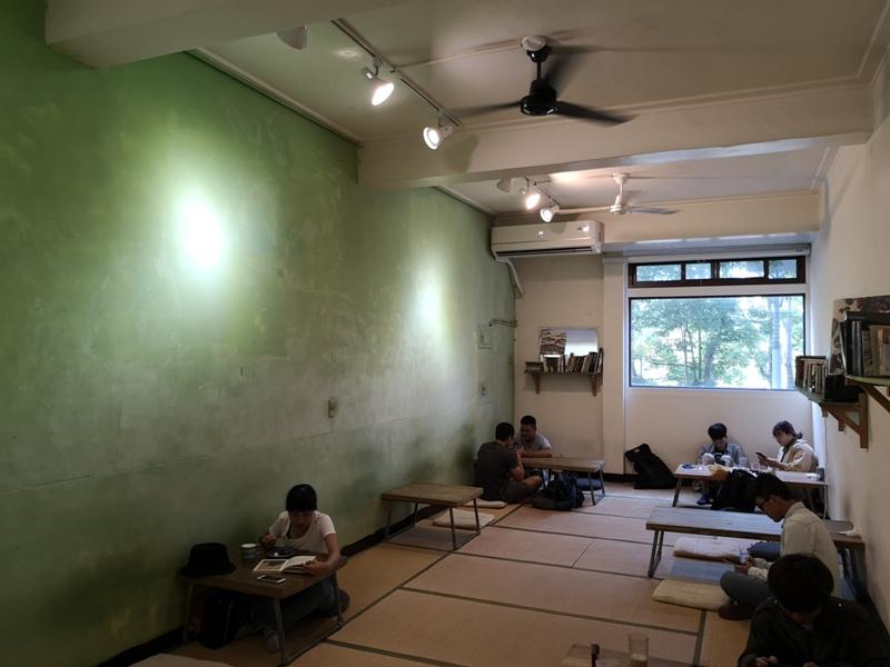 ruhcafe12 苓雅-路人咖啡Ruh Cafe生日公園旁最佳休憩場所 榻榻米超舒適...