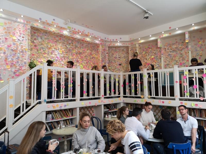 zoska03 Budapest-布達佩斯Zoska 冒著粉紅泡泡的可愛早午餐店