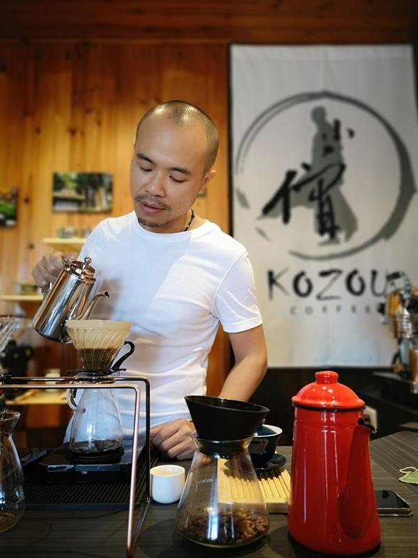 kozou09 楊梅-小僧咖啡 埔心少見手沖 玩攝影也愛咖啡有個性的老闆