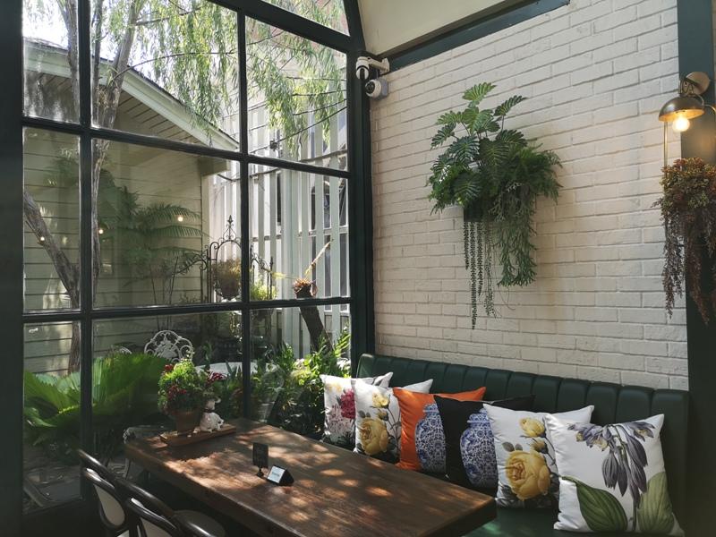 laff2815 Bangkok-曼谷LAFF Cafe室內花園 如溫室般的舒適美好