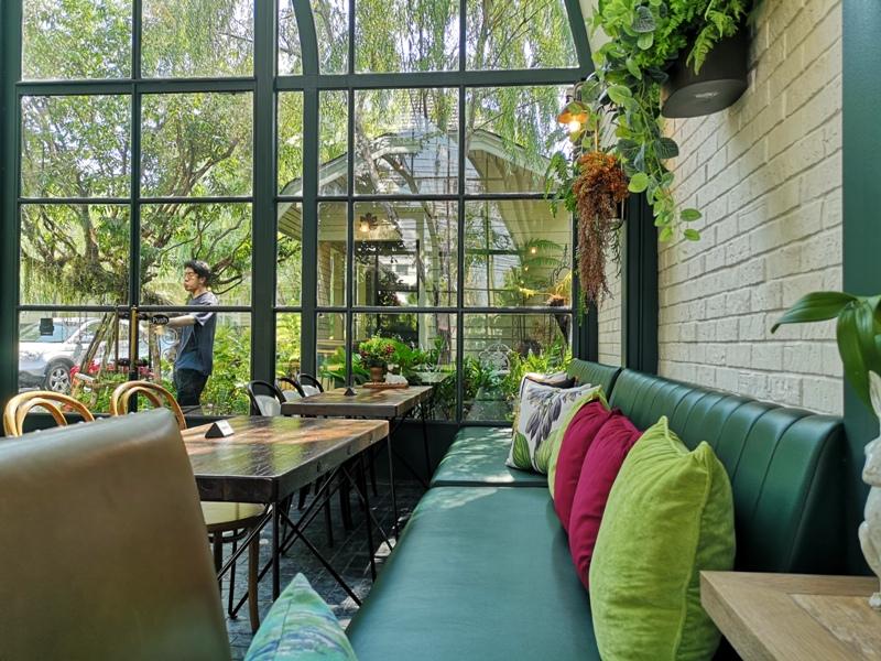 laff2816 Bangkok-曼谷LAFF Cafe室內花園 如溫室般的舒適美好