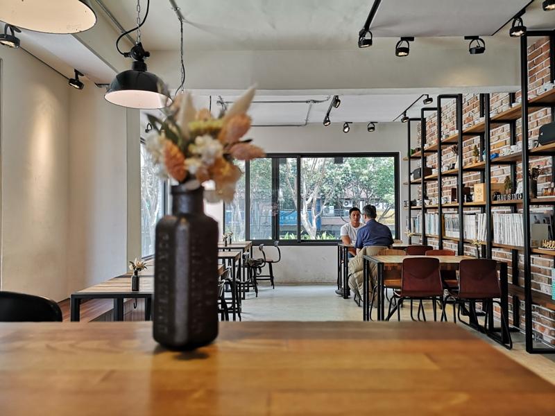 hausinc16 台中北區-HAUSINC CAFE簡約現代明亮舒適 一杯咖啡飲春光