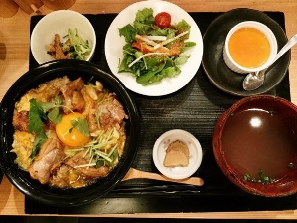 akida10 Tokyo-本家あべや(Kitte Granche店) 來自秋田比內雞的親子丼 怎麼這麼好吃!!!