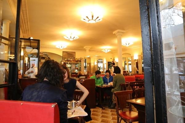 cafe-de-flore04 Paris-花神咖啡 論時事評政府 文人聚集的咖啡館