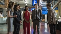 Watch Borrowing Problems From The Future - TV Series The Flash (2014) Season 3 Episode 10