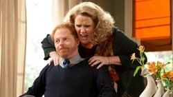 Watch Mother Tucker - TV Series Modern Family (2009) Season 2 Episode 9