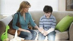 Watch Someone to Watch Over Lily - TV Series Modern Family (2009) Season 2 Episode 20