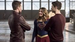 Watch Invasion! (II) - TV Series The Flash (2014) Season 3 Episode 8