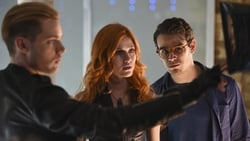 Watch The Descent Into Hell Isn't Easy - TV Series Shadowhunters (2016) Season 1 Episode 2