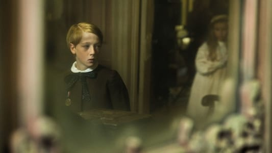 Backdrop Movie The Little Stranger 2018