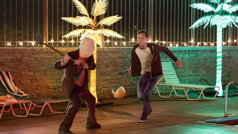 Backdrop Movie The Strangers: Prey at Night 2018