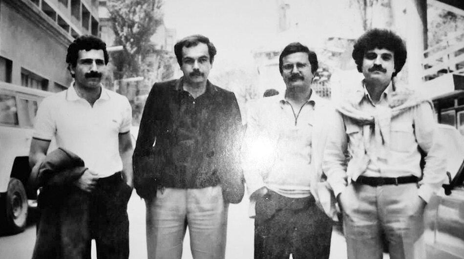 Cağaloğlu'nda. (soldan sağa) Oktay Taftalı, Mehmet Müfit, Tuğrul Tanyol, Adnan Özer