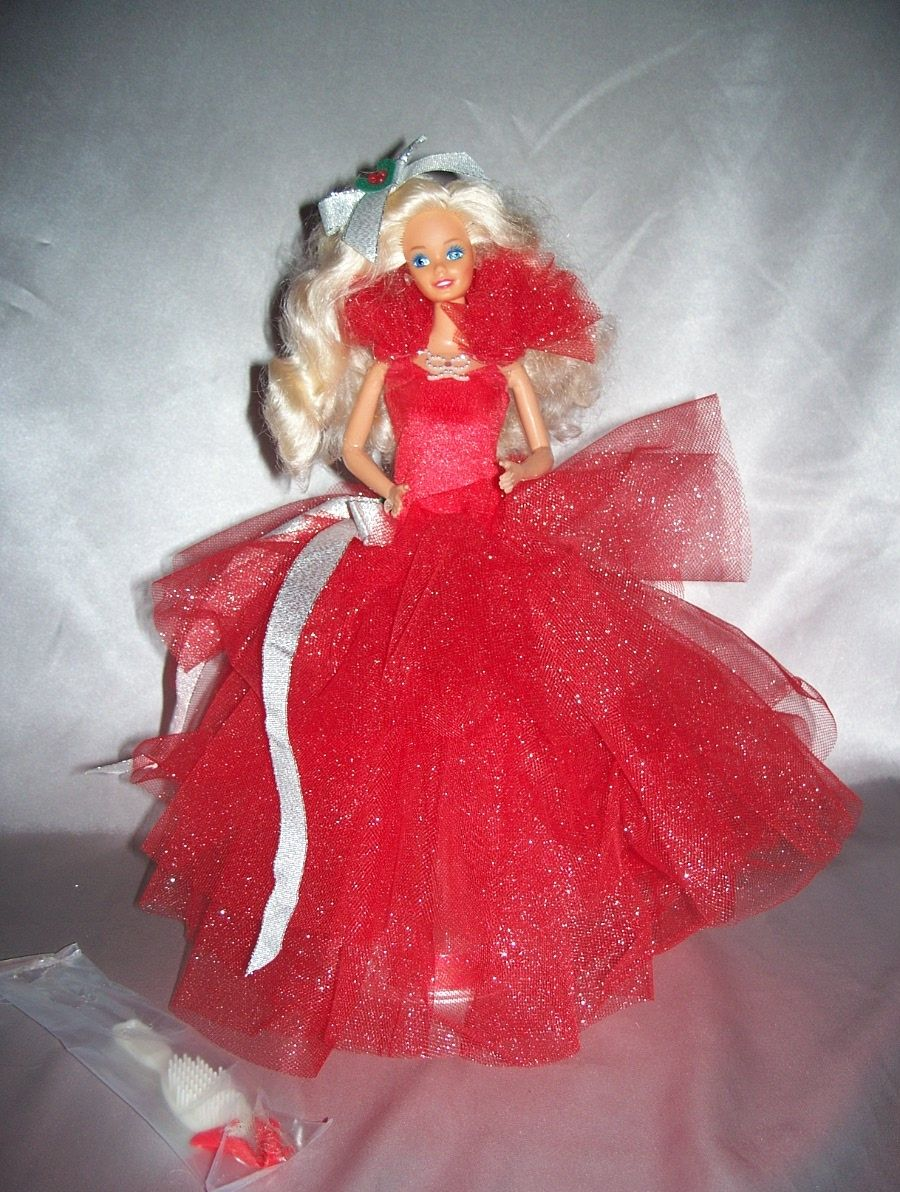 1988 Happy Holiday Christmas Barbie Doll From