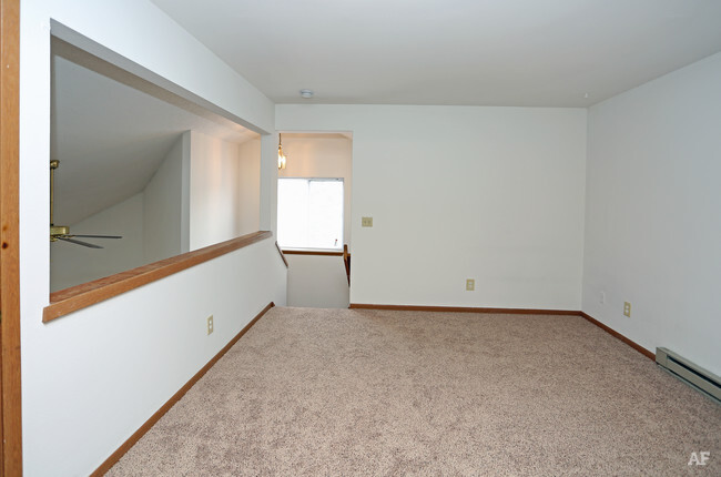 Loft Bedroom Orchard Village Apartments For Madison Wi 1