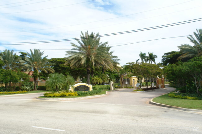 The Yacht Club Lantana FL Apartment Finder