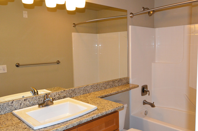 Highland Park West Apartments - Kirkland, WA | Apartment ... on Montebello Apartments In Kirkland Wa id=77070