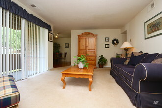 Oak Tree Villas   Decatur  GA   Apartment Finder