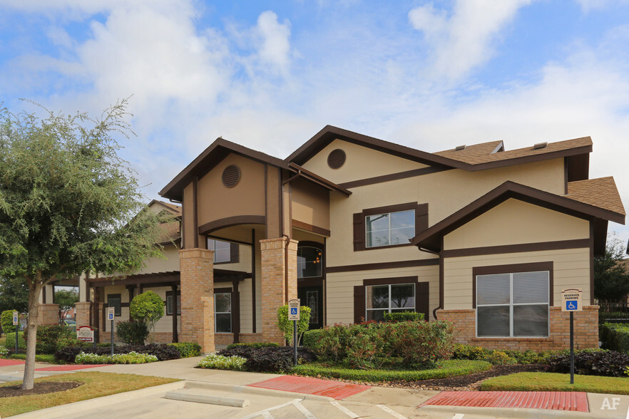 LA SIERRA APARTMENTS New Braunfels TX Apartment Finder