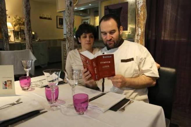 Étoiles, assiettes, couverts... : le vocabulaire du <i>Guide Michelin</i> décrypté