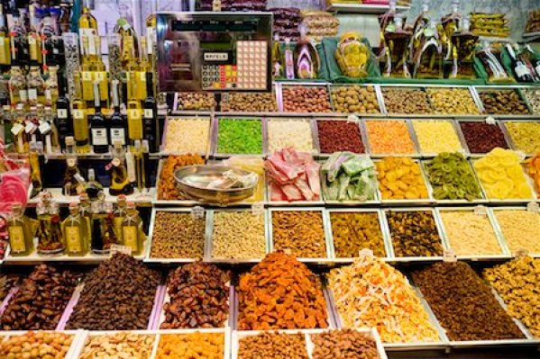 Dry fruits shops Stock Photos - Page 1 : Masterfile