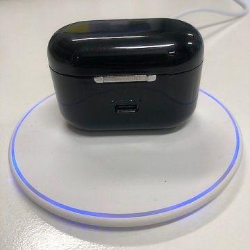 充電盒支援QI無線充電