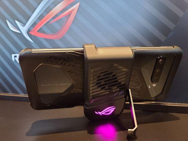 ROG Phone 3 風扇和支架