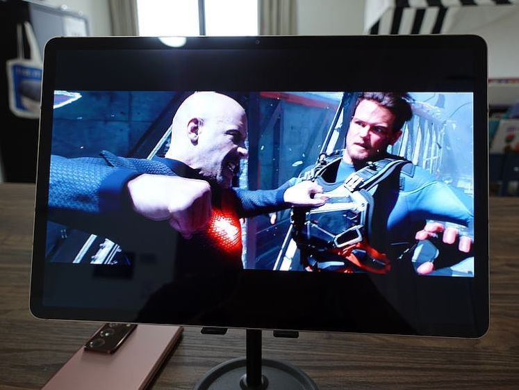 12.4吋大螢幕