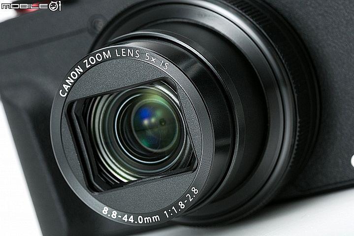 鏡頭規格為24-120mm f/1.8~2.8