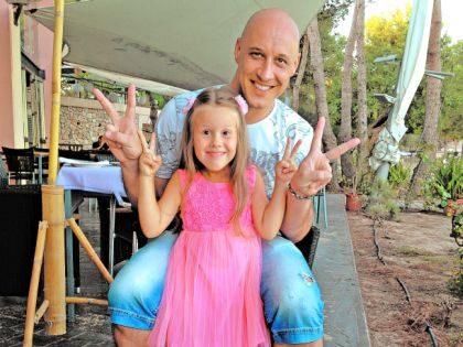 Денис Майданов биография личная жизнь семья жена дети  фото