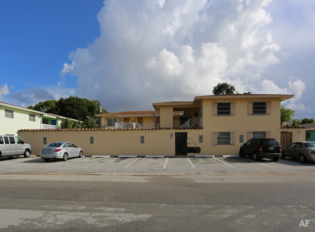 Spanish Manor - Wilton Manors, FL