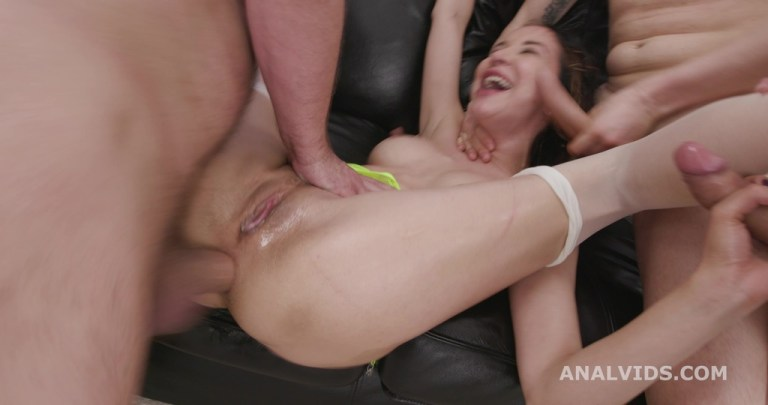 Diving in Pee, Francys Belle, 5on1, ATM, DAP, Manhandle, No Pussy, Gapes, Pee Drink, Squirt, Swallow GIO1851