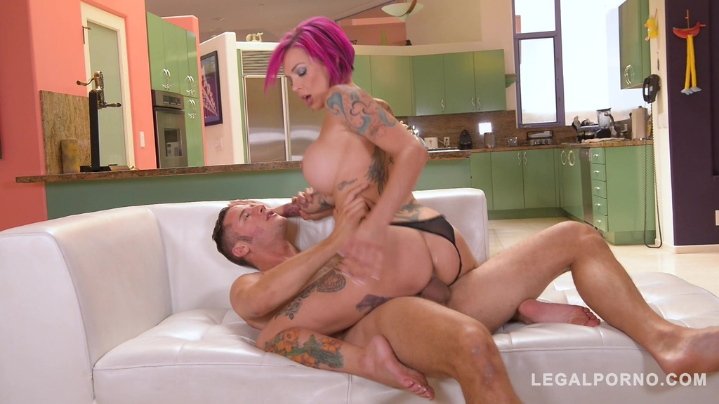 Tattooed Milf Anna Bell Peaks squirts over big cock while being fucked hard GP266