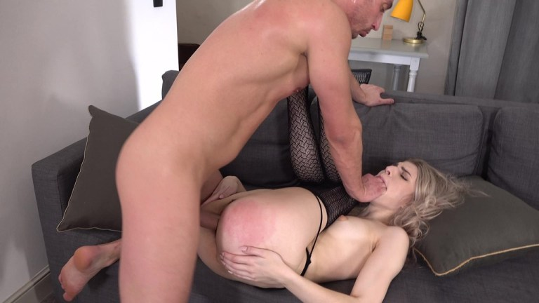 Teen Monroe Fox Hard Fucked in The Ass + Anal Gape + Cum in Mouth VK033