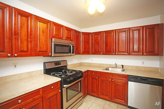 Fairfield Country Club Gardens East Islip NY Apartment Finder