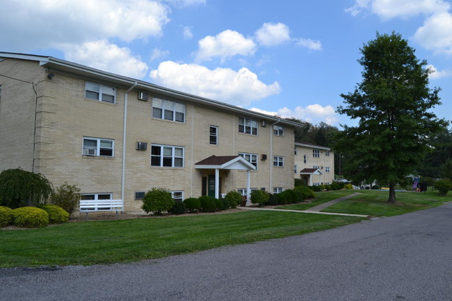 Town Amp Country Apartments East Liverpool OH Apartment