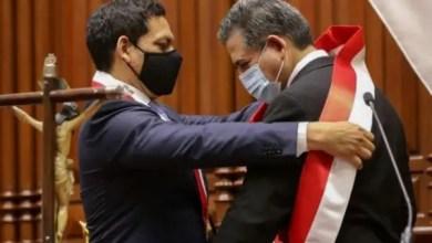 Pérou : destitution du président Martin Vizcarra par le parlement pour « incapacité morale » - Parlement