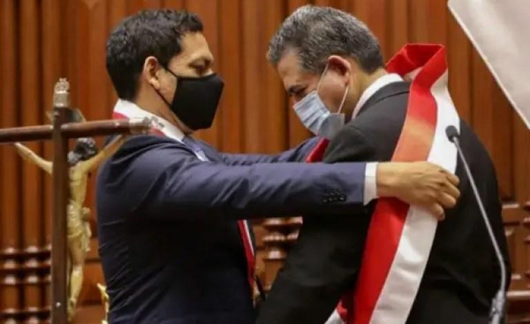 Pérou : destitution du président Martin Vizcarra par le parlement pour « incapacité morale » - Parlement, Pérou