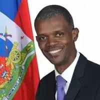Le ministre délégué chargé des questions électorales Mathias Pierre invite les partis politiques à recevoir le projet de la nouvelle constitution. - Constitution, Mathias Pierre