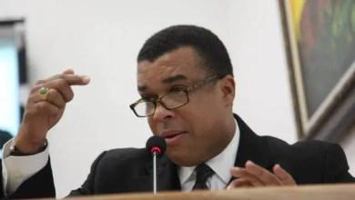 L'ancien sénateur Steven Benoît invite le tiers du sénat à la démission - Steven Benoît