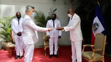 Jovenel Moïse a reçu les lettres d'accréditation du nouvel ambassadeur russe en Haïti - Diplomatie