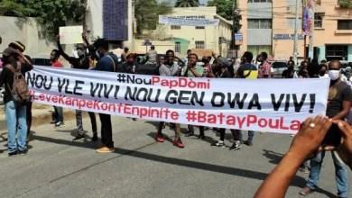 NOU PAP DÒMI invite la population haïtienne à s'opposer aux nouveau gouvernement d'Ariel Henry - Ariel Henry, Nou pap Domi