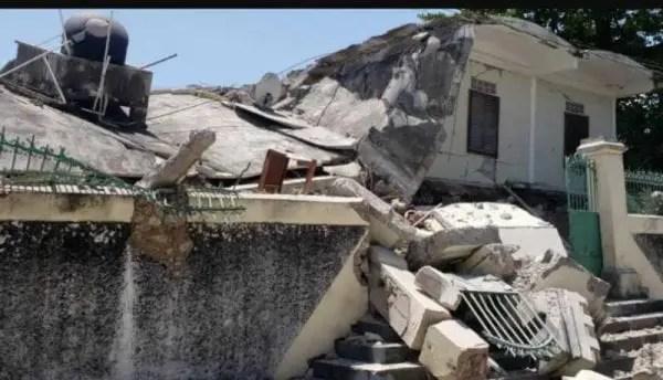 Aide post-séisme : le premier ministre Ariel Henry promet d'agir avec davantage de célérité -