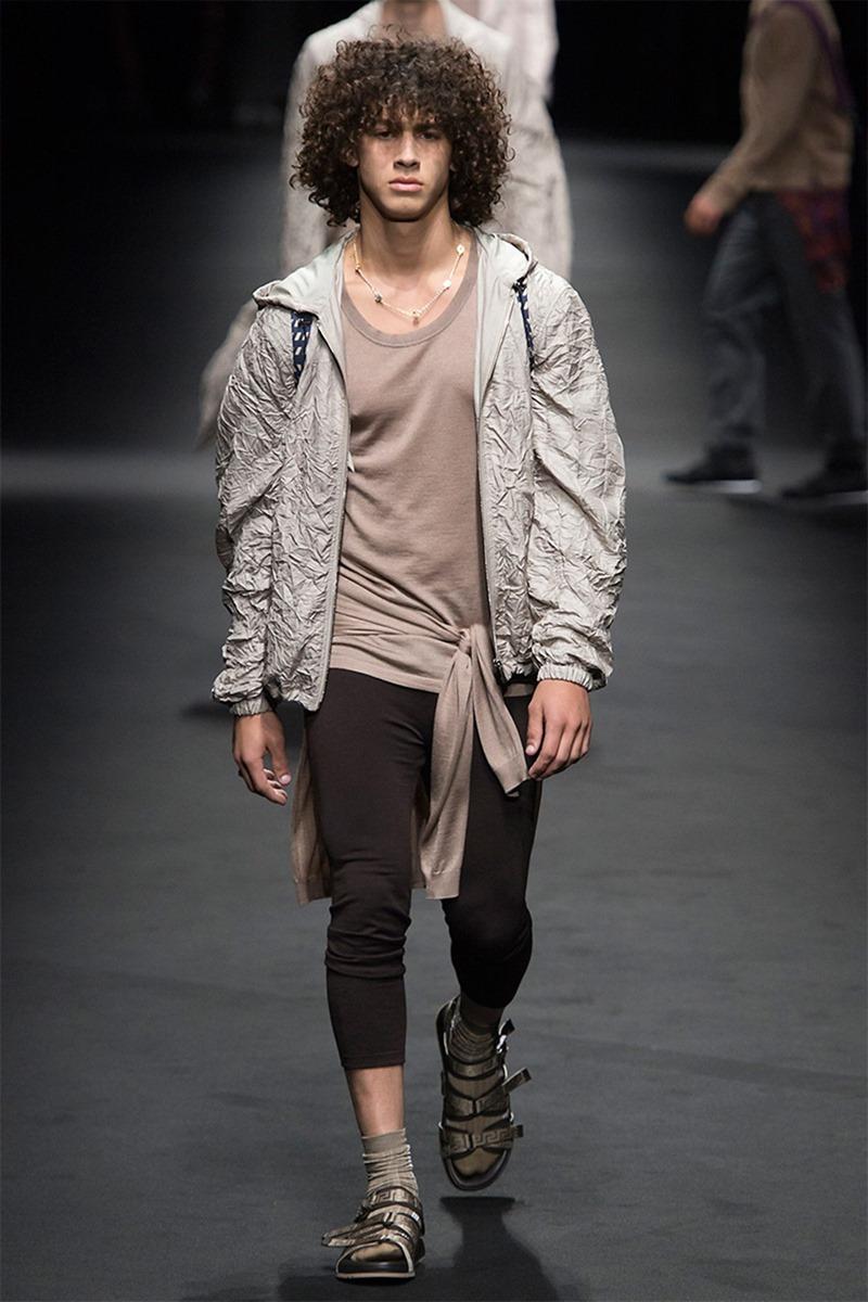 MILAN FASHION WEEK Versace Spring 2017. www.imageamplified.com, Image Amplified (15)