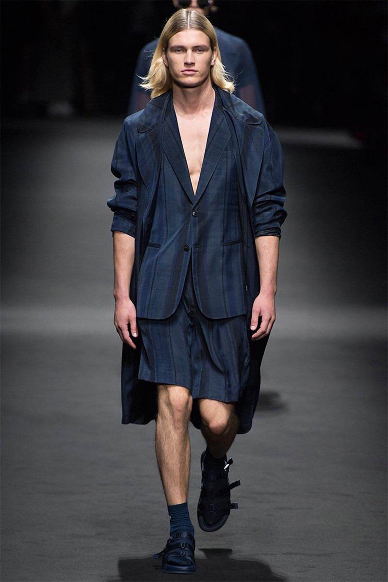 MILAN FASHION WEEK Versace Spring 2017. www.imageamplified.com, Image Amplified (26)