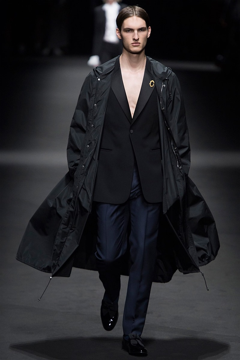 MILAN FASHION WEEK Versace Spring 2017. www.imageamplified.com, Image Amplified (39)