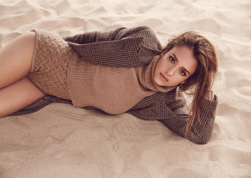 ALLURE MAGAZINE Jessica Alba by Will Davidson. Beth Fenton, September 2016, www.imageamplified.com, Image Amplified5